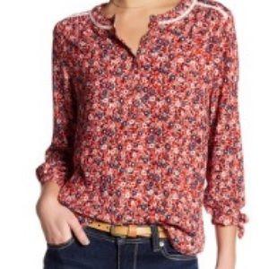 Seven7 floral 3/4 sleeve floral crochet blouse